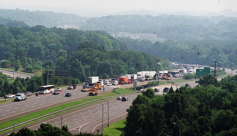 Southbound traffic on the inner loop of the Capitol Beltway is diverted at St. Barnabas Road in Oxon Hill, Md., after a big-rig accident closed the interstate on Tuesday, Aug. 7, 2001.  (The Washington Times)
