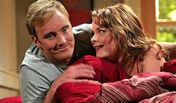 """** FILE ** Jay Mohr, here with Jaime King, played Gary on CBS' comedy """"Gary Unmarried,"""" 2008. (Associated Press)"""