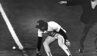 **FILE** Bill Buckner's error in Game 6 of the 1986 World Series turned the momentum in the Mets' favor. (Associated Press)