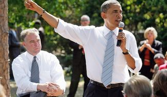 Former Virginia Gov. Tim Kaine (left), on the campaign trail with President Obama (Getty Images)
