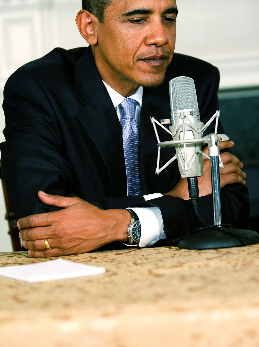 "getty images President Obama downplays the angry health care debate, telling conservative radio talk-show host Michael Smerconish on Thursday that ""passing a big bill like this is always messy."""