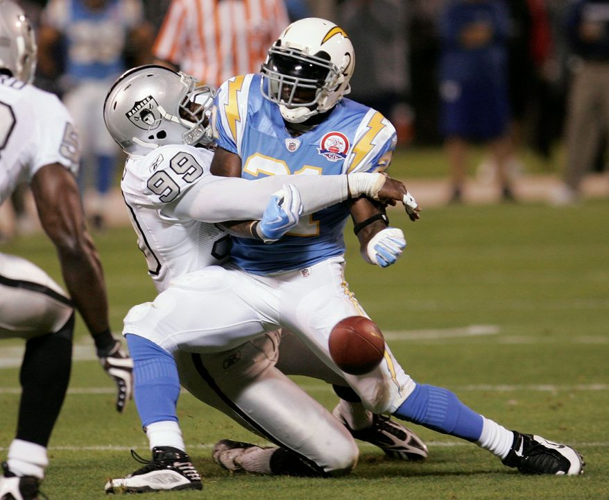 LaDainian Tomlinson (AP photo)
