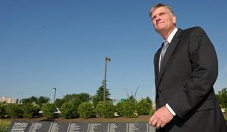 ASSOCIATED PRESS The Rev. Franklin Graham was at the Pentagon on Thursday to pray on a sidewalk outside the building. His invitation to participate in National Prayer Day there was rescinded after Muslim members of the military complained that he smeared their religion in 2001 remarks in the Wall Street Journal.