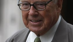 Former U.N. weapons inspector Hans Blix arrives to give evidence at the Iraq War Inquiry in London on Tuesday, July 27, 2010. (AP Photo/Alastair Grant)