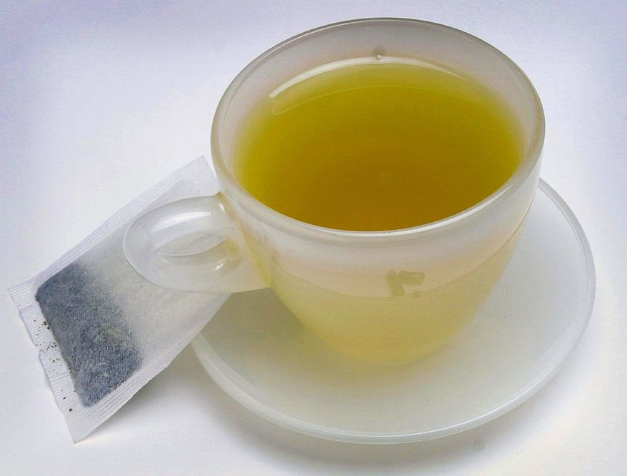 An American Chemical Society report found home-brewed green or black tea contains more polyphenols, chemicals linked to fighting cancer, than bottled teas. (Los Angeles TImes)