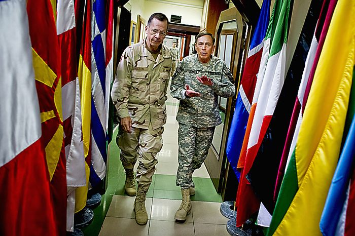 U.S. Navy Adm. Mike Mullen (L), chairman of the Joint Chiefs of Staff and U.S. Army Gen. David Petraeus, commander, International Security Assistance Force depart ISAF  headquarters in Kabul, Afghanistan meet in Kabul