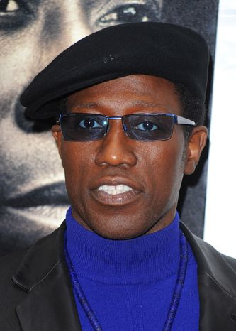 A federal judge in Ocala, Fla., ordered actor Wesley Snipes to surrender to authorities Friday, Nov. 19, 2010, so he can begin serving a three-year prison sentence for tax-related crimes. (AP Photo/Peter Kramer, file)