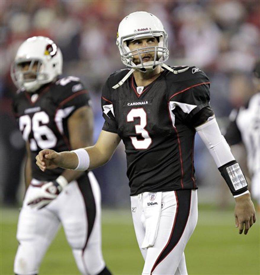 Arizona Cardinals quarterback Derek Anderson grimaces on the sidelines during the third quarter of an NFL football game against the San Francisco 49ers on Monday, Nov. 29, 2010, in Glendale, Ariz. (AP Photo/Matt York)