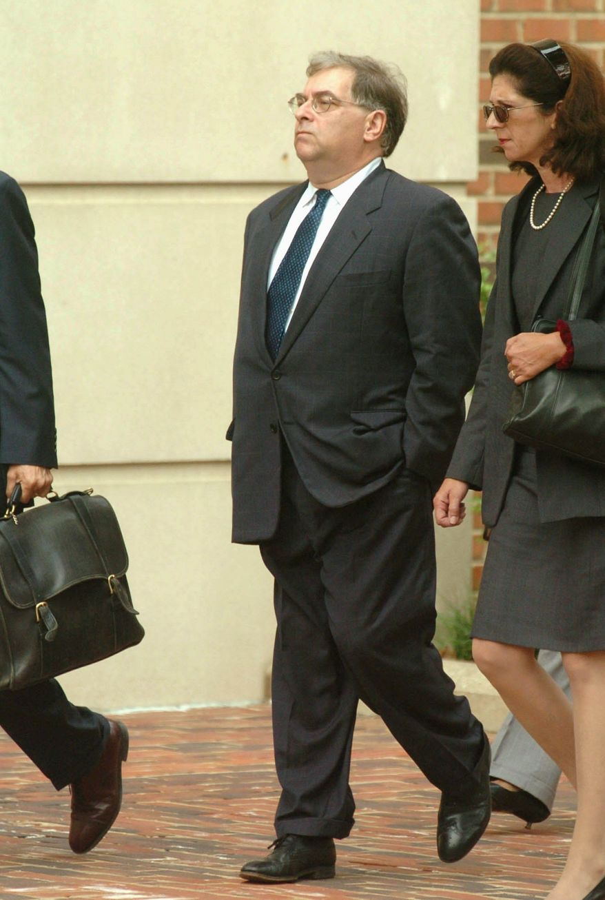 Former American Israel Public Affairs Committee official Keith Weissman was cleared of a charge he conspired to disclose defense information, or leaking. (Associated Press)