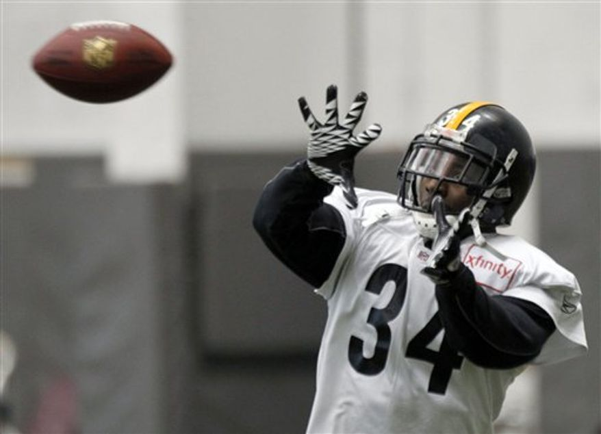Pittsburgh Steelers running back Rashard Mendenhall (34) makes a catch during NFL football practice in Pittsburgh, Friday, Jan. 28, 2011. The Steelers will be facing the Green Bay Packers in Super Bowl XLV on Feb. 6, 2011 in Arlington, Texas. (AP Photo/Keith Srakocic)