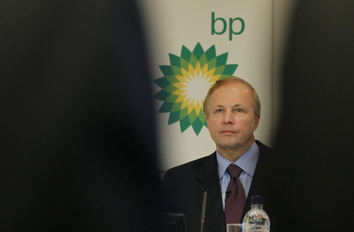 BP PLC Chief Executive Bob Dudley, at a press conference at the BP headquarters in London, Tuesday, Feb. 1, 2011. BP announced Tuesday it is resuming dividend payouts for the first time since the Gulf of Mexico well disaster, despite suffering its first full-year loss since 1992, and plans to sell off almost half of its U.S. refinery business. (AP Photo/Alastair Grant)