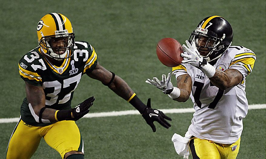 The Pittsburgh Steelers' Mike Wallace (17) makes a touchdown catch against the Green Bay Packers' Sam Shields (37) during the second half of the NFL Super Bowl XLV football game on Sunday, Feb. 6, 2011, in Arlington, Texas. (AP Photo/Mike Groll)
