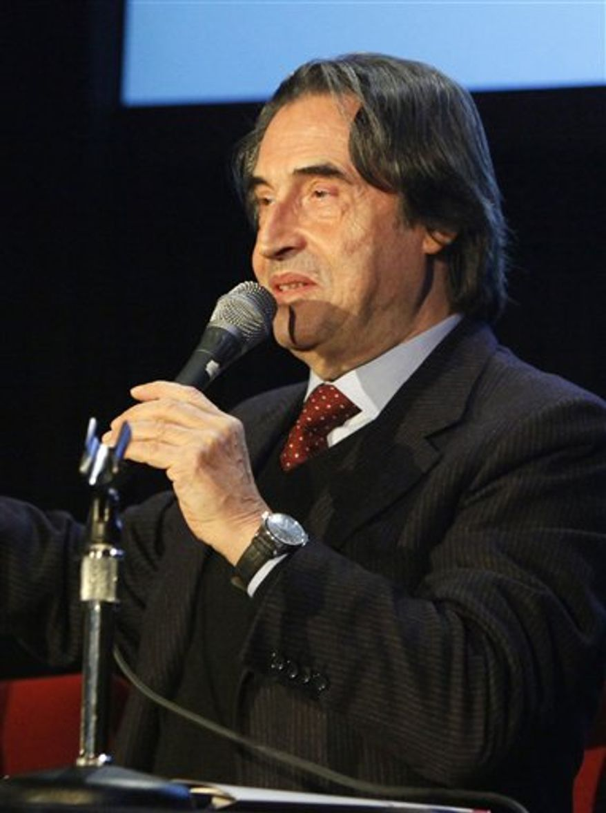 FILE - In this Feb. 25, 2010 file photo, Chicago Symphony Orchestra Music Director Riccardo Muti is seen at a news conference in Chicago. Authorities say Muti is recovering from surgery performed Monday, Feb. 7, 2011, for facial injuries and a jaw fracture suffered during a fall at a CSO rehearsal last week. (AP Photo/Charles Rex Arbogast, File)