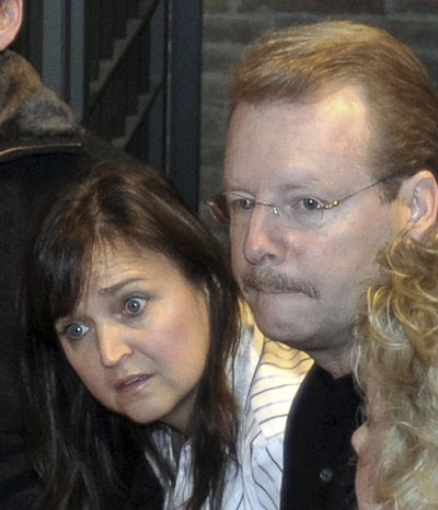 Edda Mellas, left, and Curt Knox, the parents of Amanda Knox, an American student convicted of murder in Italy, arrive at a hearing in Perugia's court, Italy, on Nov. 28, 2009. A lawyer said Tuesday, Feb. 15, 2011 the parents of Knox have been ordered to