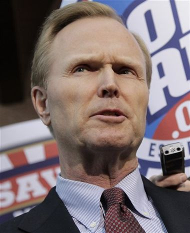 ** FILE ** In this March 11, 2011, file photo, New York Giants owner John Mara speaks with reporters about labor negotiations in Washington. (AP Photo/J. Scott Ap