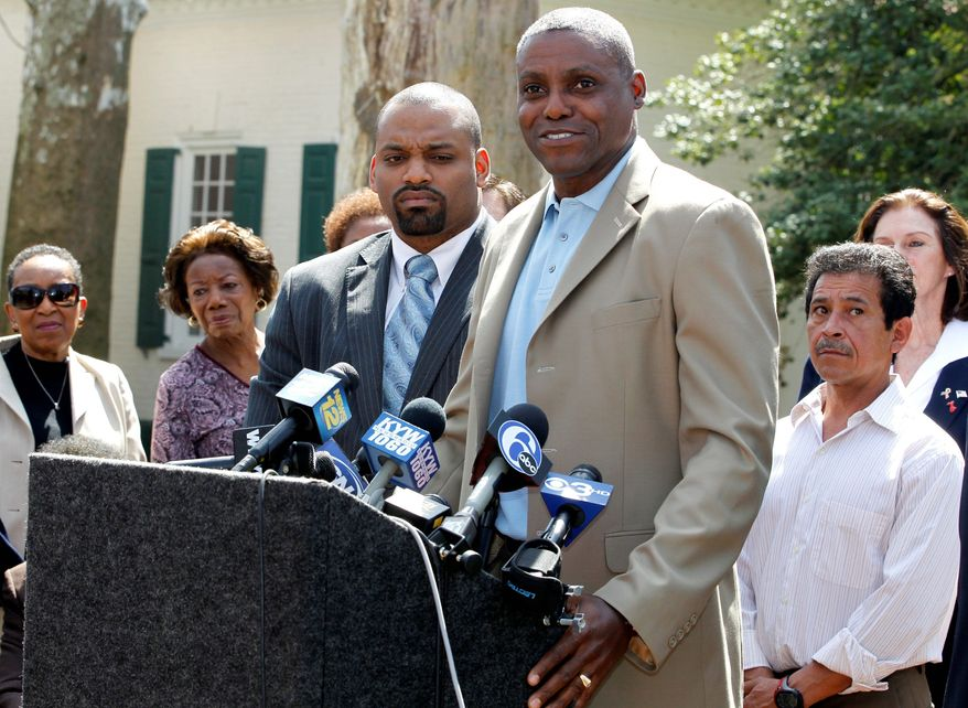 ** FILE ** Olympic gold medalist Carl Lewis announces in April 2011 that he's running for the New Jersey state Senate. (AP Photo)