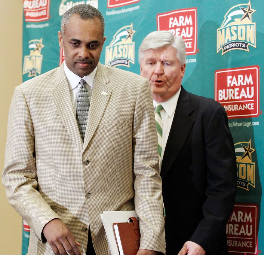 Associated Press New basketball coach Paul Hewitt (left), shown with GMU athletic director Tom O'Connor, was 190-162 in 11 seasons at Georgia Tech, including an appearance in the 2004 NCAA championship game.