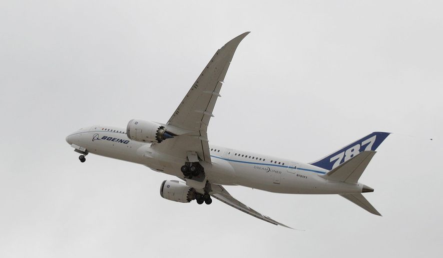 A Boeing 787 Dreamliner takes off from Houston's George Bush Intercontinental Airport. (AP Photo)