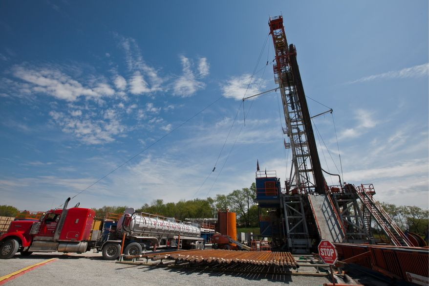 """Piping is removed from a drill used in the """"fracking"""" process to recover natural gas from the massive Marcellus Shale in Washington, Pa. The technology is changing Pennsylvania's economy. (Andrew S. Geraci/The Washington Times)"""