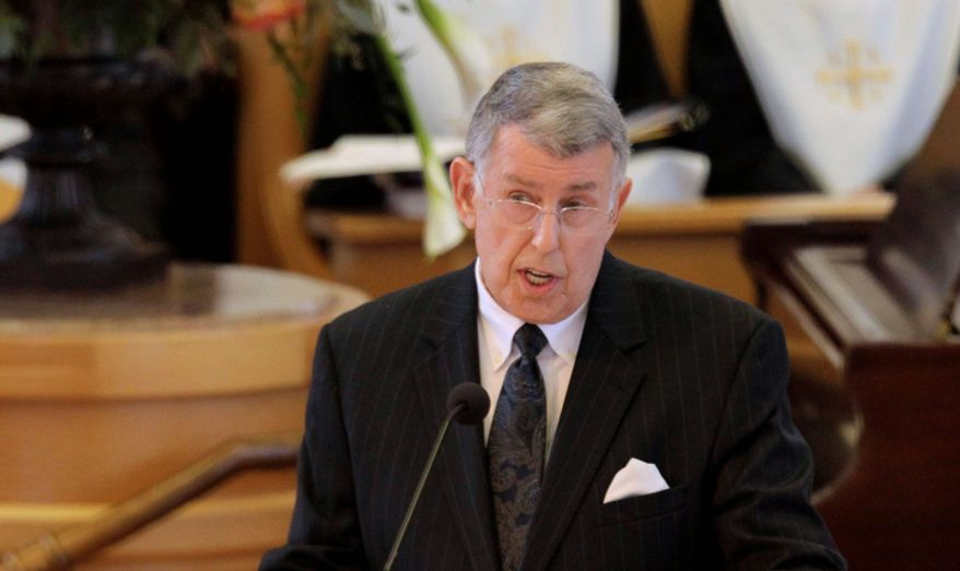 Geoff Mason, former director of the Betty Ford Center, delivers a eulogy during the funeral for former first lady Betty Ford at St. Margaret's Episcopal Church Tuesday, July 12, 2011, in Palm Desert, Calif.  (AP Photo/Jae C. Hong, Pool)