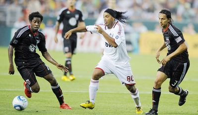 D.C. United defensive midfielder Clyde Simms may not put up the flashy statistics, but he's been one of the squad's most reliable assets when healthy. (AP Photo/Nick Wass)