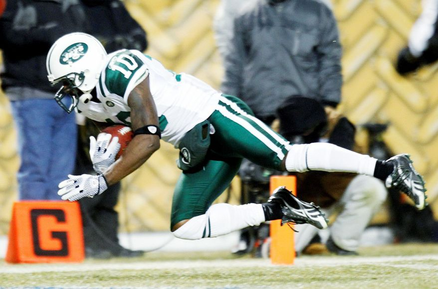 Wide receiver Santonio Holmes had 52 catches for 746 yards and six touchdowns last season for the New York Jets. (Associated Press)