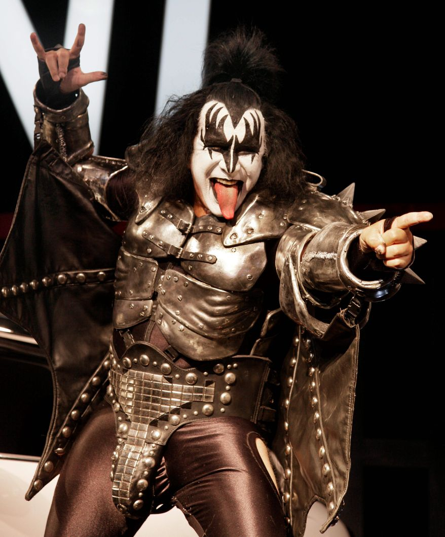 ASSOCIATED PRESS Kiss' Gene Simmons predicts Texas Gov. Rick Perry will win the presidency in 2012. He has a good track record, having voted for Presidents Clinton, George W. Bush and Obama but says Mr. Obama's stance on Israel has made him regret that choice.