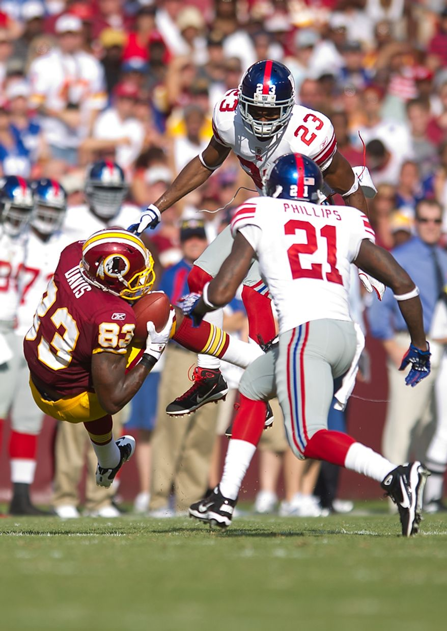 Washington Redskins TE Fred Davis (83) catches a 23 yard pass against the New York Giants during the 1st quarter at FedEx Field in Landover, Md. Sunday, September 11, 2011. (Andrew Harnik / The Washington Times)