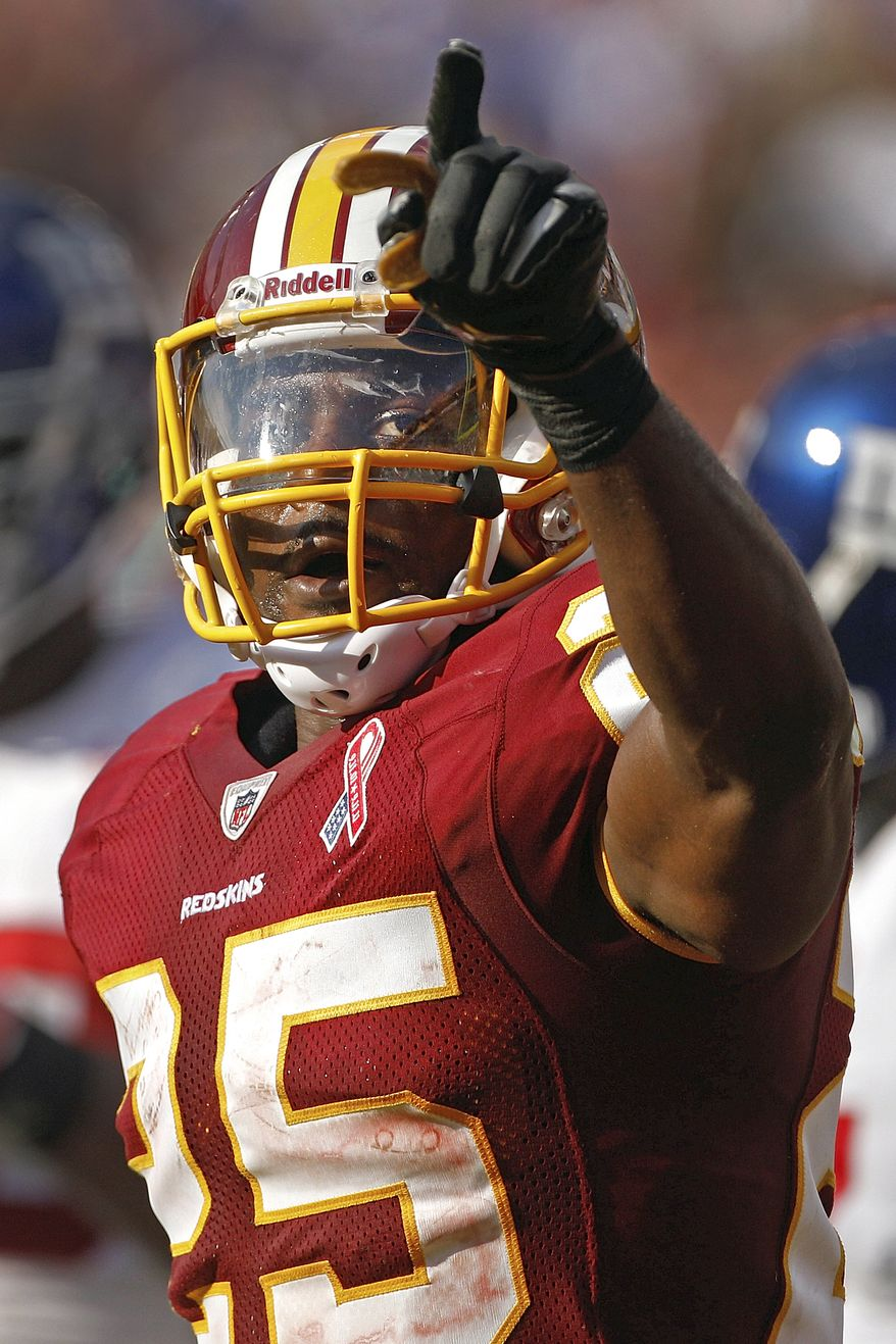 Washington Redskins running back Tim Hightower believes he's found an offense that suits his talents. Coach Mike Shanahan runs a a similar outside-zone scheme that his college coach, Dave Clawson, ran at the University of Richmond. (AP Photo/Evan Vucci)