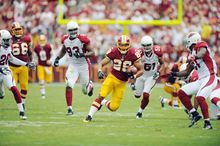 Redskins running back Roy Helu (29) takes off on a 33-yard run after catching a Rex Grossman pass in the second quarter to set up a touchdown against the Arizona Cardinals at FedEx Field in Landover, Md., on Sunday, September 18, 2011. (Andrew Harnik/The Washington Times)