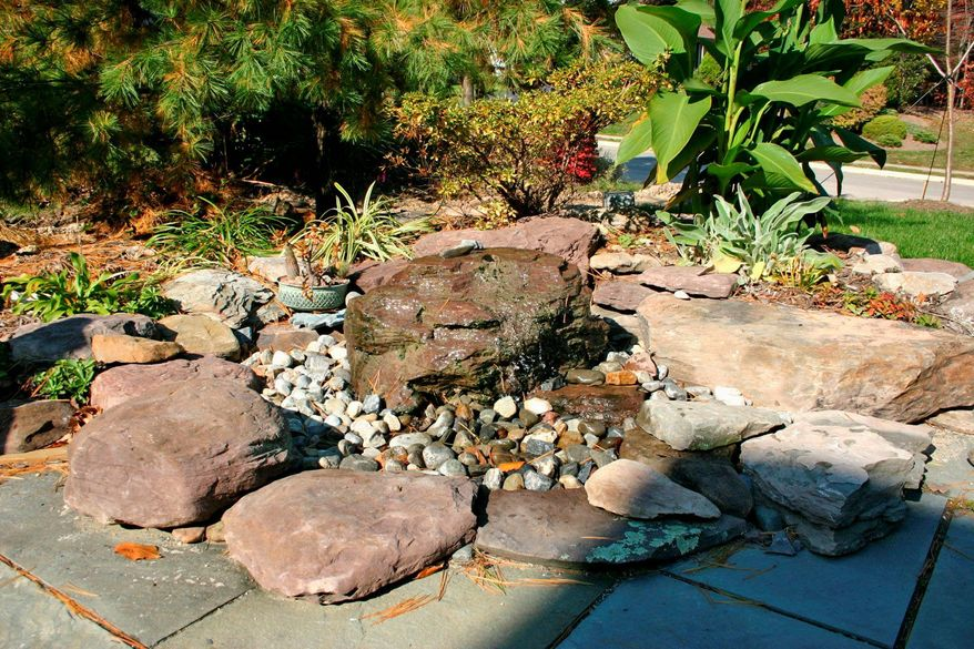 Harmony Ponds' signature feature is to use large boulders.