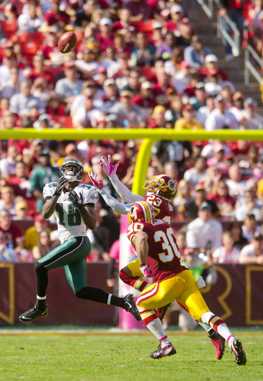 The Washington Redskins can't stop Philadelphia Eagles Jeremy Maclin (18) from gaining 59 yards during the third quarter. (Andrew Harnik / The Washington Times)