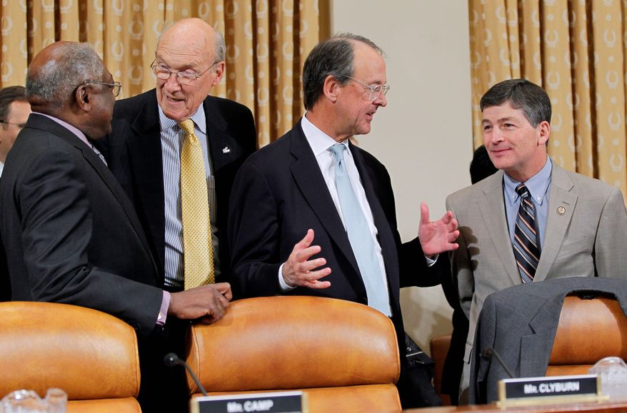 Supercommittee Co-Chairmen Rep. Jeb Hensarling, Texas Republican (right), and fellow committee member Rep. James E. Clyburn, South Carolina Democrat (left), welcome Erskine Bowles (second from right) and former Wyoming Sen. Alan Simpson (second from left) to a Capitol Hill hearing Tuesday before the supercommittee heard testimony from the two former co-chairmen of similar panels. (Associated Press)