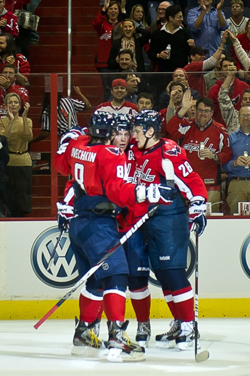 Alexander Semin (28) of the Washington Capitals, center, scores a goal against the Dallas Stars during the 1st period at the Verizon Center in Washington, DC. Tuesday, November 8, 2011. (Andrew Harnik / The Washington Times)