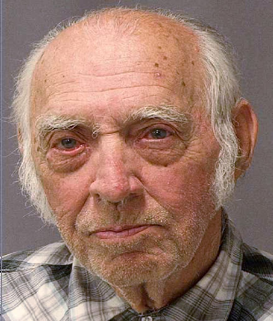 This undated booking photo provided by the U.S. Marshals Service shows Leo Earl Sharp, 87, who was arrested for cocaine possession near Chelsea, Ind., in Washtenaw County on Oct. 21, 2011. (Associated Press/U.S. Marshals Service)
