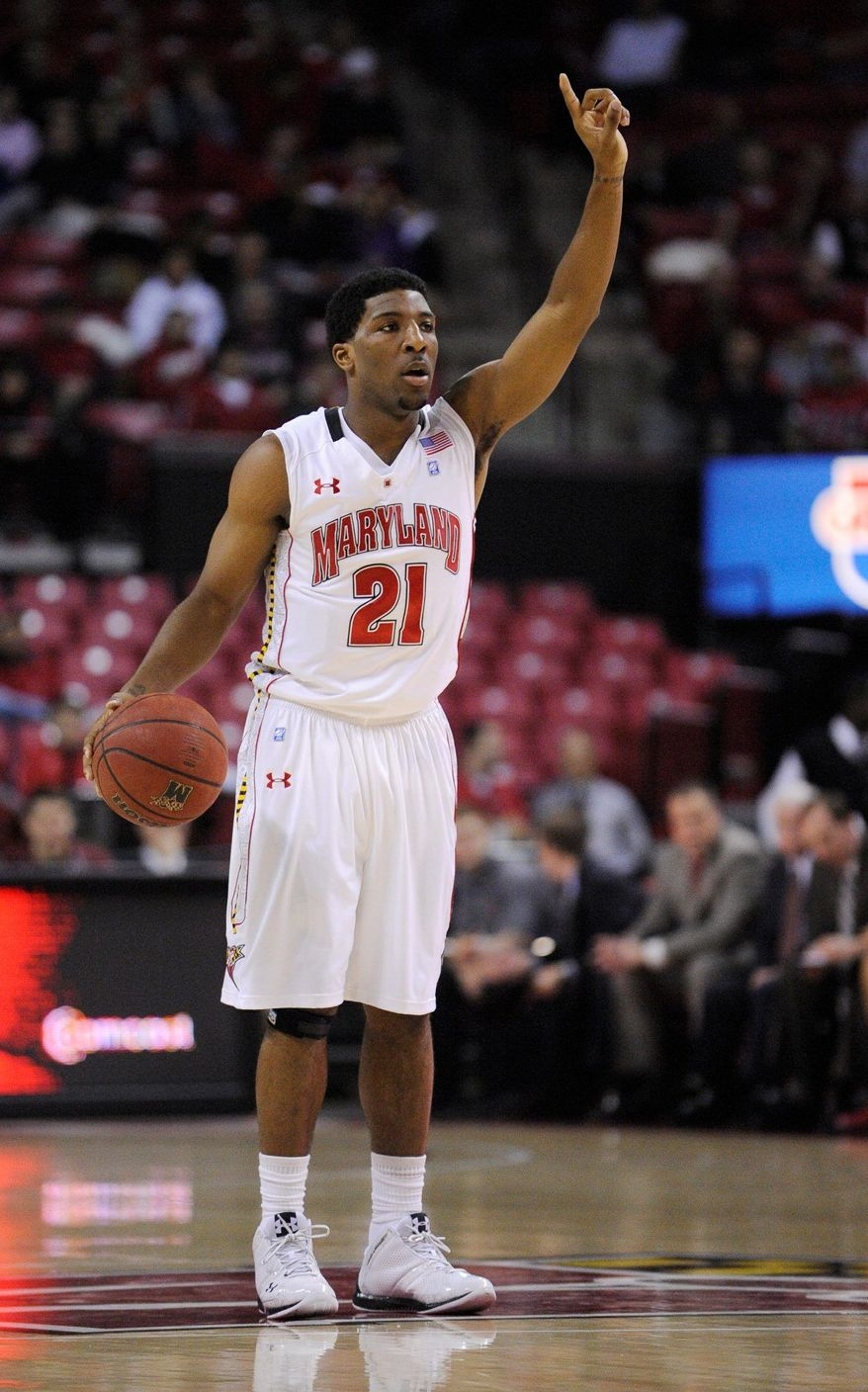 Maryland guard Pe'Shon Howard dribbles the ball against North Florida during the first half of an NCAA college basketball game, Wednesday, Dec. 29, 2010, in College Park, Md. (AP Photo/Nick Wass)