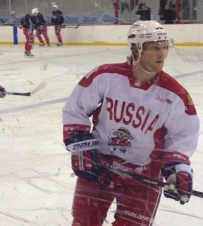 Karl Alzner sporting a Russia jersey in Capitals practice / Photo courtesy of Lana Gillen