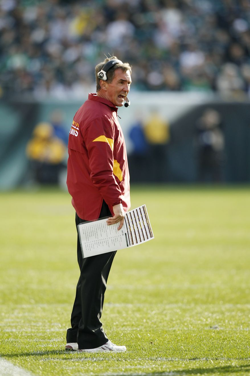 Mike Shanahan and the Washington Redskins coaching staff will coach the South team at the Senior Bowl in Mobile, Ala., later this month. (AP Photo/Mel Evans)