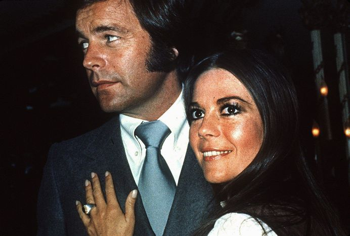 Actress Natalie Wood appears with her husband, actor Robert Wagner, in 1980. (Associated Press)