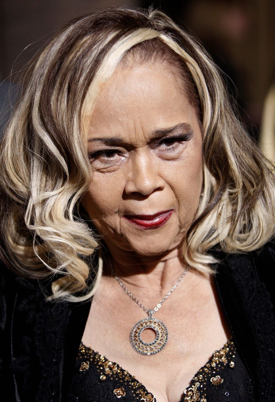 """**FILE** Singer Etta James arrives Nov. 24, 2008, at the premiere of the movie """"Cadillac Records"""" in Los Angeles. (Associated Press)"""