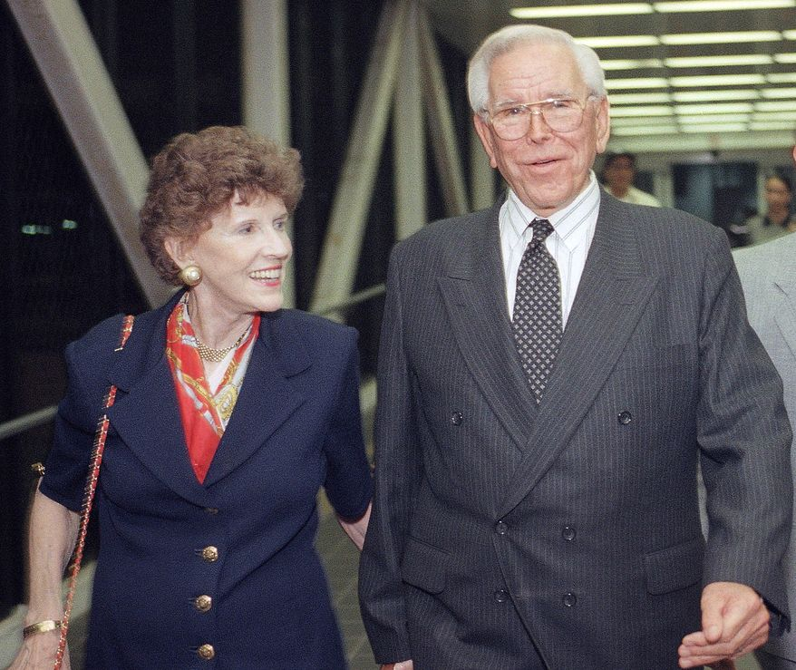 ** FILE ** The Rev. Robert Schuller and his wife, Arvella, are pictured in 1997. (AP Photo/John Hayes, File)