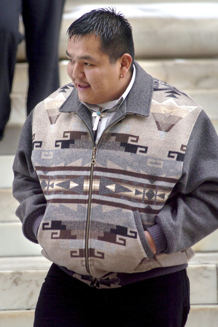 ** FILE ** Winslow Friday, a Northern Arapaho tribal member who admitted killing a bald eagle in 2005 for use in a religious ceremony, makes his way into the 10th U.S. Circuit Court of Appeals at the U.S. Courthouse in Denver in December 2007. (AP Photo/Bill Ross, File)