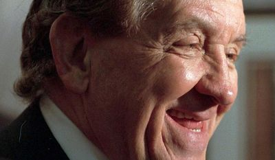 "** FILE ** George Lindsey, who portrayed the character Goober Pyle in the television series ""The Andy Griffith Show,"" is pictured in 1998. Mr. Lindsey died Sunday at age 83. (AP Photo/Montgomery Advertiser, Lloyd Gallman)"