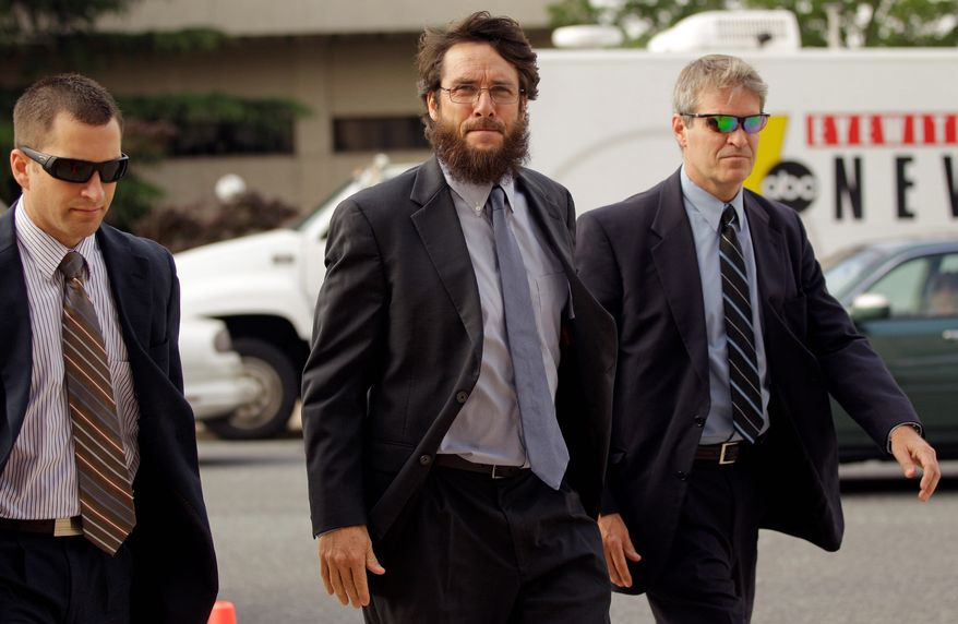 Developer Tim Toben testified at former Sen. John Edwards' campaign finance corruption trial Tuesday that in 2008 he warned the campaign of Barack Obama to look closely at rumors about Mr. Edwards' infidelity. (Associated Press)