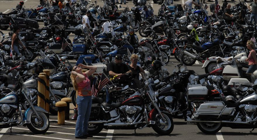 Thousands of motorcyclist stage up at the Pentagon prior to heading toward the Vietnam Memorial as part of the 19th annual Rolling Thunder in Washington, DC, Sunday, May 28, 2006.  ( Saul McSween / The Washington Times )