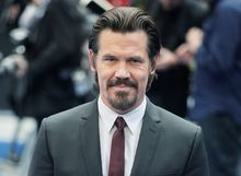 """** FILE ** In this May 16, 2012 file photo, actor Josh Brolin arrives at the premiere of his film, """"Men In Black 3"""" in London. The film opens nationwide on May 25. (AP Photo/Jim Ross, file)"""