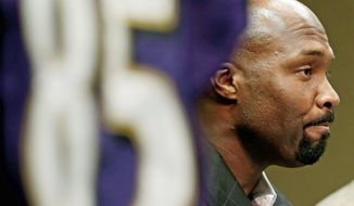 Former Baltimore Ravens wide receiver Derrick Mason announces his NFL retirement at a news conference at the team's practice facility in Owings Mills, Md., Monday, June 11, 2012. The 38-year-old Mason played 15 years professionally, six of them with Baltimore. (AP Photo/Patrick Semansky)
