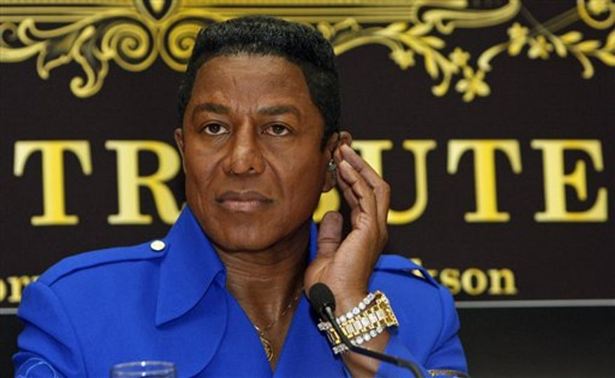 "** FILE ** In this Sept. 11, 2009 photo, Jermaine Jackson, brother of late U.S. ""King of Pop"" Michael Jackson, is seen during a news conference in Vienna, Austria. Jermaine Jackson said, Wednesday, August 1, 2012, that he regretted the recent public turmoil that has embroiled his family and called for them to work out their issues in private. (AP Photo/Ronald Zak, File)"