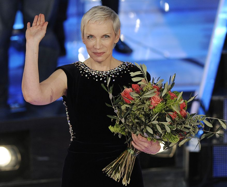 """**FILE** British musician Annie Lennox is seen here on Feb. 21, 2009, during the """"Festival di Sanremo"""" Italian song contest in San Remo, Italy. (Associated Press)"""
