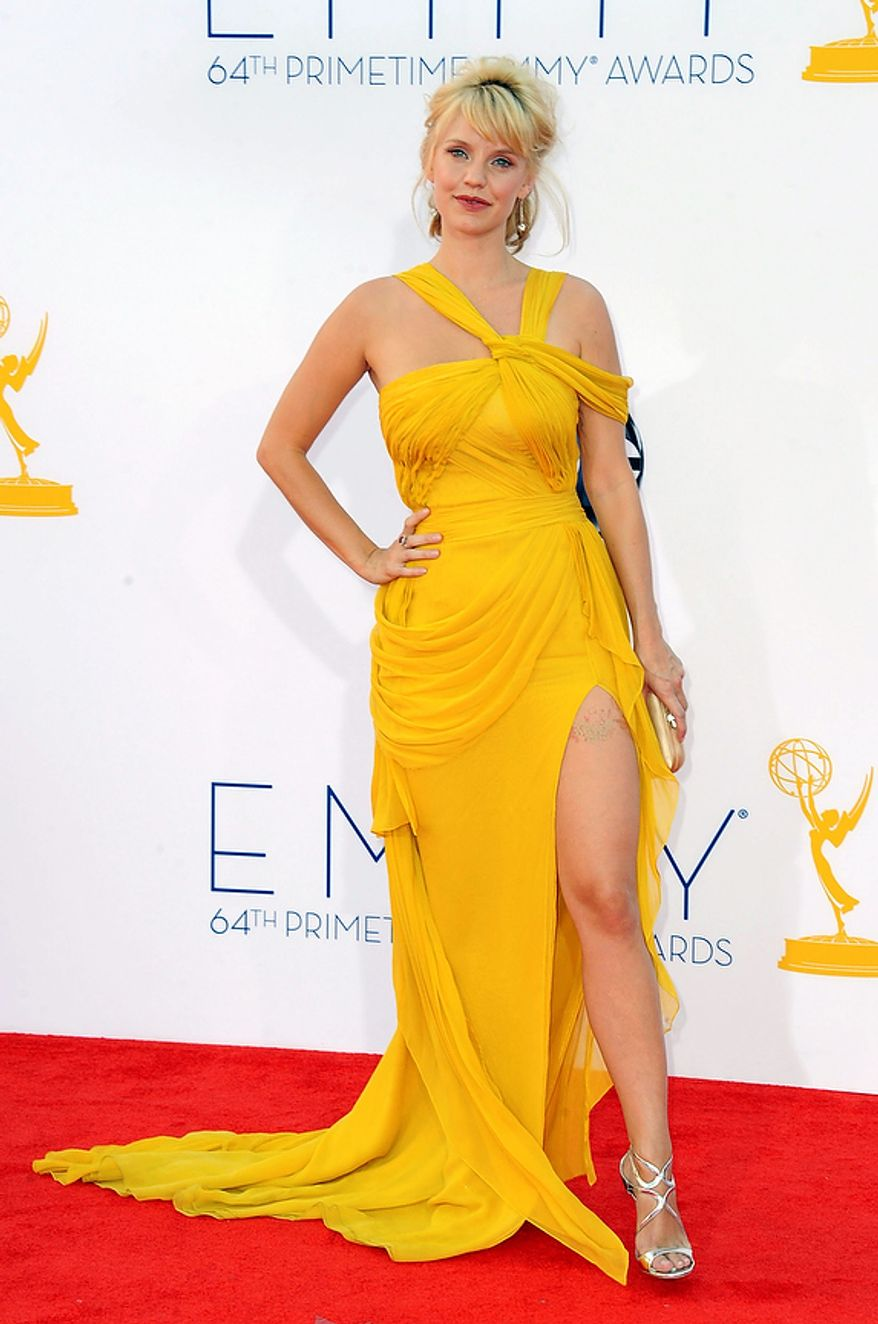 Actress Kelli Garner arrives at the 64th Primetime Emmy Awards at the Nokia Theatre on Sunday, Sept. 23, 2012, in Los Angeles. (Photo by Jordan Strauss/Invision/AP)